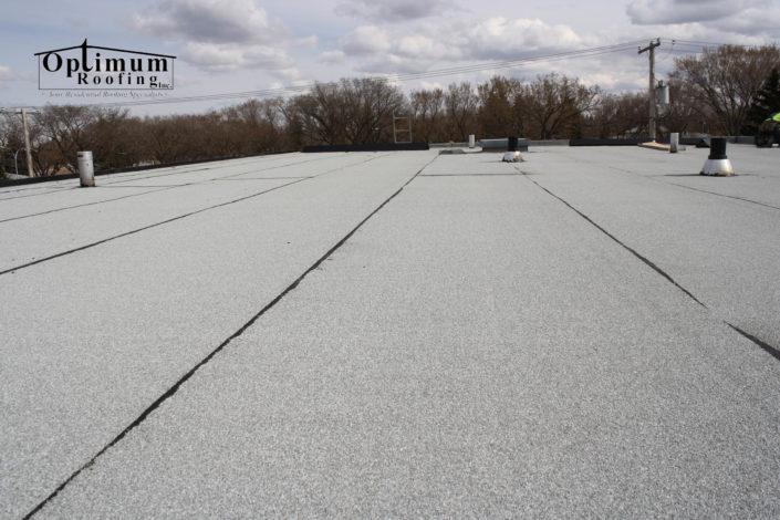 Flat roofers in Regina-Optimum Roofing