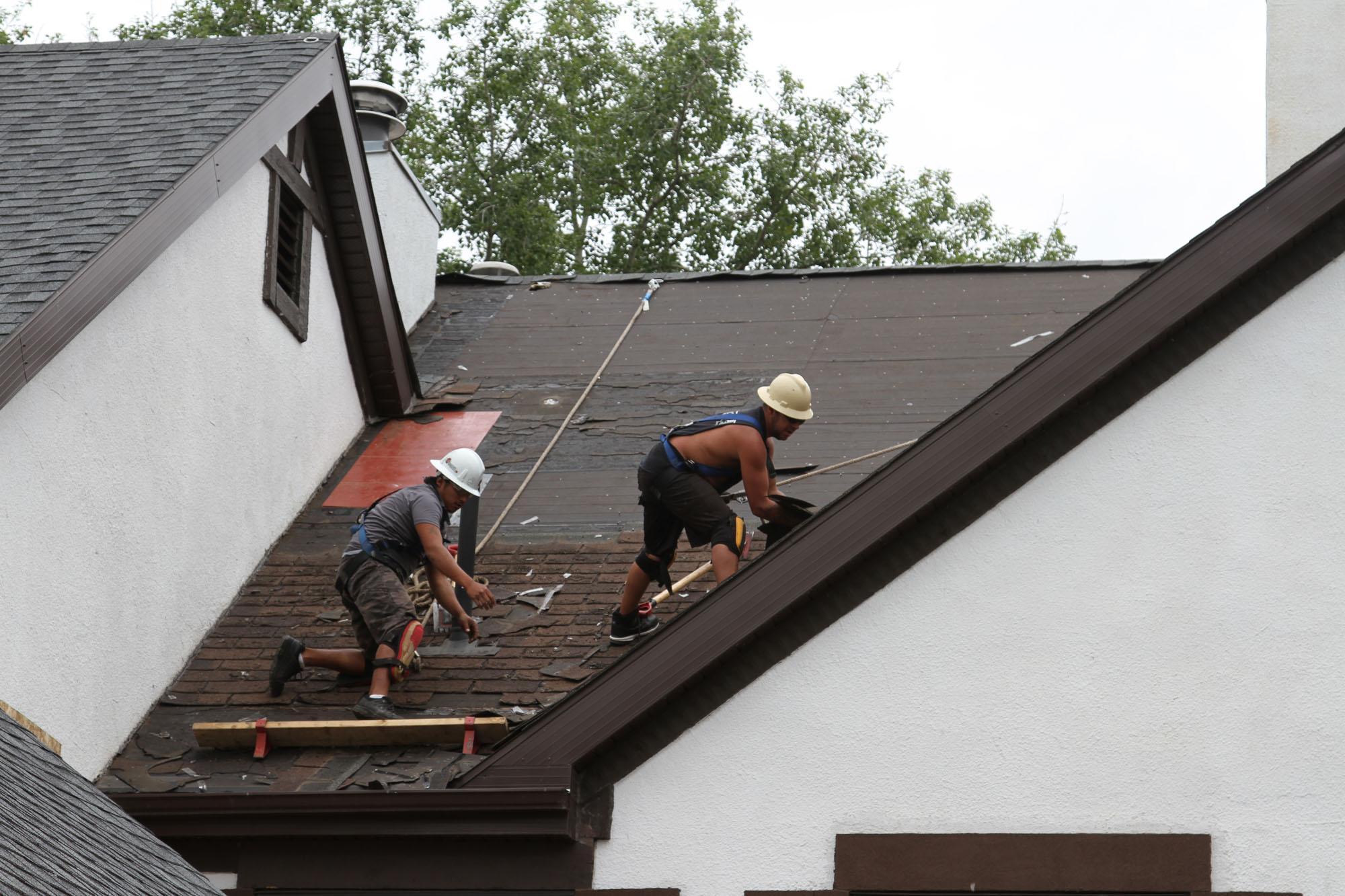 Regina Optimum Roofing Workers Optimum Roofing Regina
